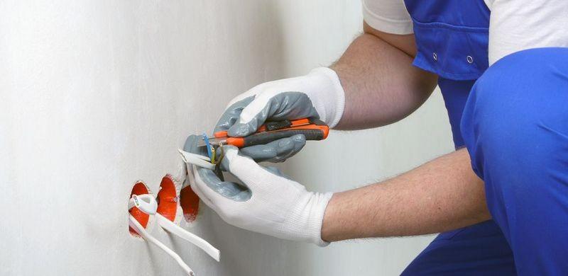 Вызов электрика на дом и услуги электрика отличное обслуживание по доступной цене