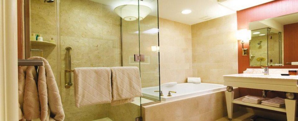 Услуги электрика по освещению ванной комнаты в городе Владивосток