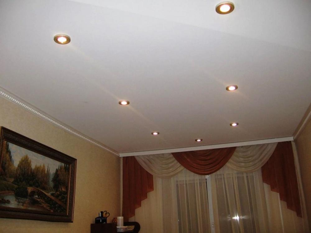 Встраиваемые светильники, различающиеся регулировкой направления освещения